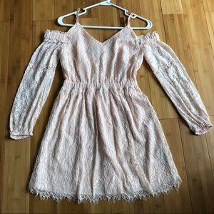 Bebe Blush Lace cold shoulder dress Sz XXS